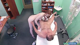 Amateur recorded in secret presently dealing the doctor's penis