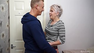 Short haired mature granny Lady Sextacy fucked and gets a facial