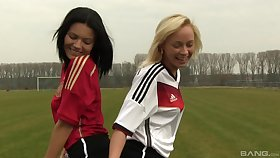 Naomi Nevena increased by Vanessa Decker enjoy lesbian copulation on the ground